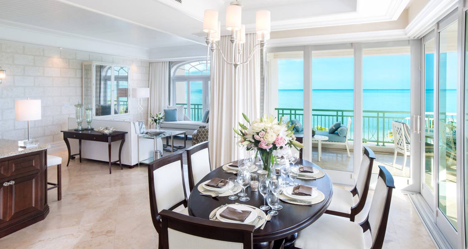 The shore club Deluxe ocean front Dinning and Living room