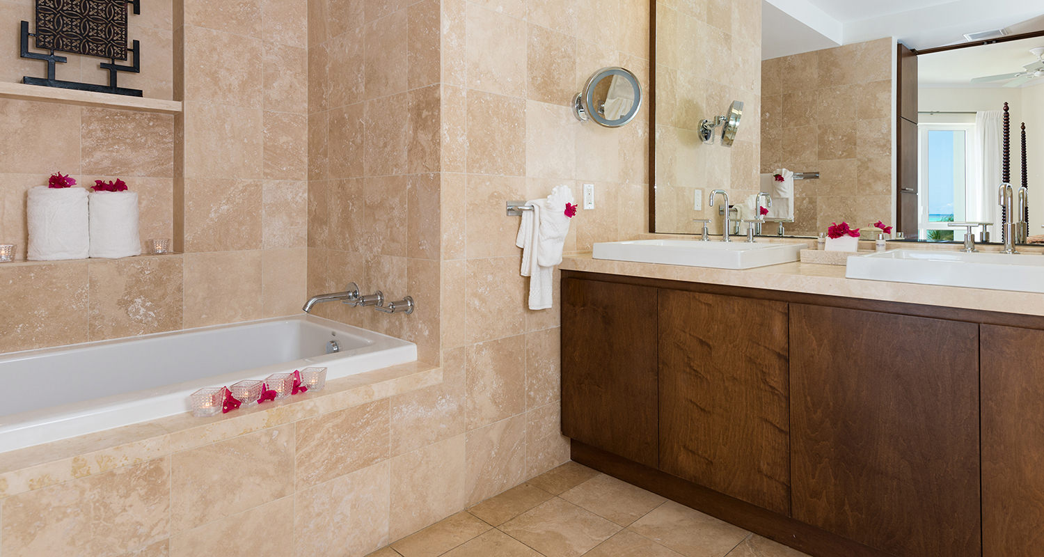 West Bay Club Ocean Front Luxury 1 Bedroom Suite- Master Bathroom